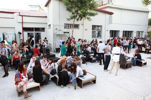 """Conferinţă de presă """"Re//Dance"""" - Bienala Regională de Coregrafie"""
