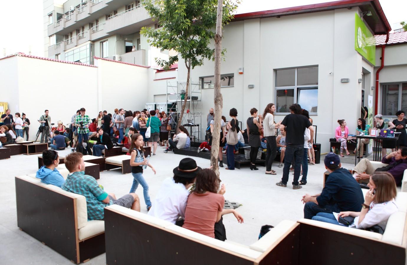 Spectacole, ateliere și muzică live în această vară la CNDB!